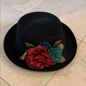 Vintage Black floral flower Hat great condition